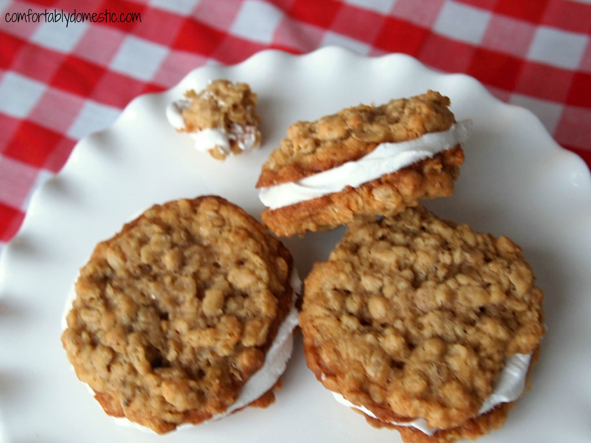 Homemade Oatmeal Marshmallow Cream Pies