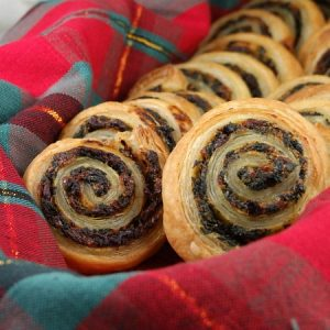 Spinach & Sundried Tomato Puff Pastry Pinwheels